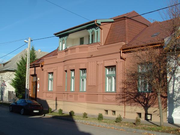 avocat cabinet d 39 avocat hongrois budapest hongrie dommage int r ts assurance accident. Black Bedroom Furniture Sets. Home Design Ideas